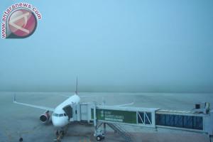 Kabut asap belum ganggu penerbangan di Bandara SMB II