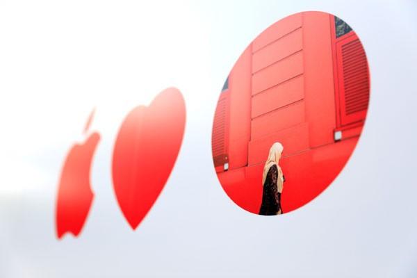 Apple selidiki kasus baterai iPhone membengkak