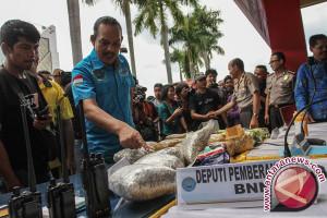 90 persen penyeludupan narkotika melalui laut
