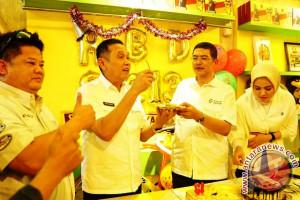Sriwijaya FC tiup lilin HUT ke-13 tahun
