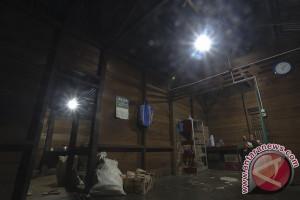 10 juta rakyat Indonesia belum nikmati listrik