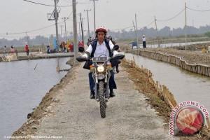 Jokowi dan sepeda motor trailnya