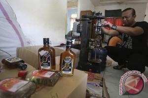Pembuat minuman keras terancam 20  tahun penjara
