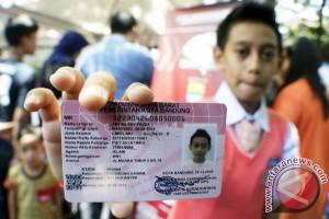Disdukcapil OKU Bagikan 2.378 Kartu Identitas Anak
