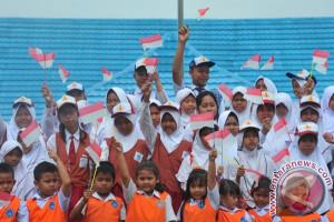 TNI AU ajak siswa dendangkan lagu kebangsaan tiga stanza