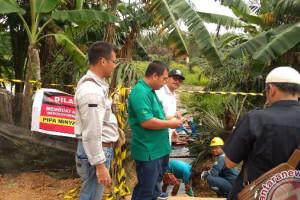 Medco bersihkan rembesan minyak di  Desa Suka Maju