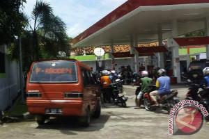 Warga Baturaja kesulitan membeli premium di SPBU
