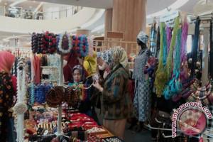 Pelaku UKM gelar Bazar kerajinan di Palembang