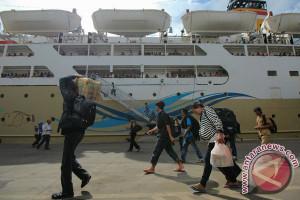 Arus balik di Pelabuhan Priok masih sepi