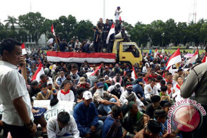 Ribuan warga Bangka Barat demonstrasi tolak HTP