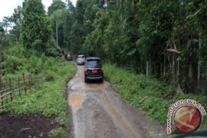 Kerusakan jalan Kayuagung - Sepucuk segera diperbaiki