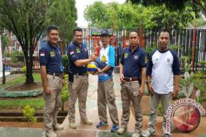 Rutan Baturaja dapat bantuan alat olahraga