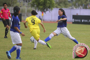 Timnas sepak bola putri TC di Palembang