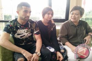 Jalilov relakan istri kembali ke Tajikistan demi calon bayi