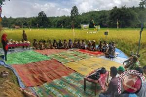 Medco E&P Dorong Produksi Petani Organik Desa Suka Makmur
