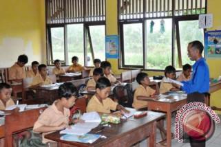 Pemkot Palembang benahi peralatan sekolah