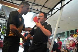 Alberto Goncalves diragukan tampil lawan PSM Makassar