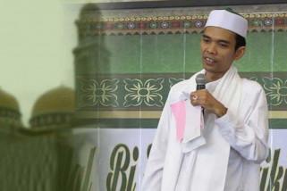 Ustad  Abdul Somad menyampaikan lima jenis amanah
