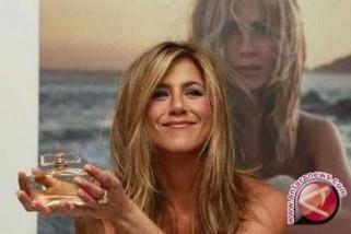 Jennifer Aniston umumkan perceraian dengan suaminya Justin Theroux
