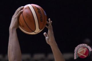 Fictor Roring puji pemain debutan Timnas bola basket