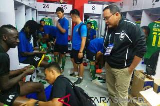 Sriwijaya FC gunakan pita hitam lawan Bhayangkara FC
