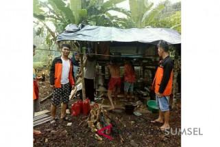 Mahasiswa Universitas Baturaja ajukan bantuan warga miskin