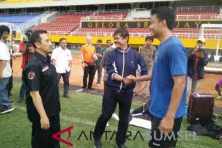 Ustadz Yusuf Mansyur sambangi sesi latihan Sriwijaya FC