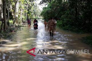 Warga sepanjang  aliran sungai diimbau waspadai banjir