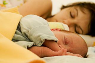 Cara mengatasi sulit tidur karena terbangun tiba-tiba