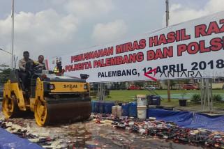 Polresta Palembang musnahkan ribuan botol miras