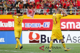 Arema cukur Sriwijaya FC 3-0