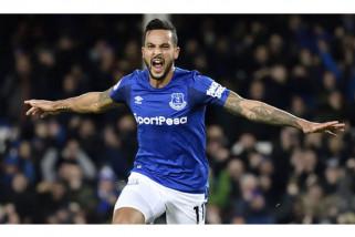 Walcott bawa Everton ke posisi delapan setelah kalahkan Newcastle