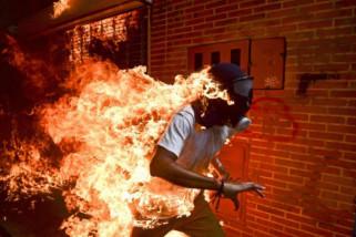 'Venezuela Crisis' menangi kontes World Press Photo