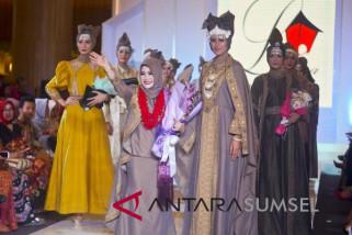 Lipsus - Melirik sosok 'Kartini' Ratu memperkenalkan kain Palembang