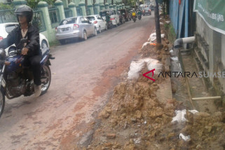 Wali kota kecewa banyak bekas galian proyek asal tutup