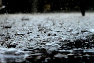 Aliran massa udara basah picu cuaca signifikan