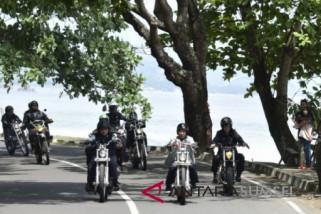 Jokowi tunggangi tracker W 175 ke Braga