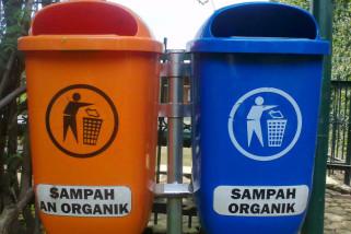 PD Pasar Baturaja tambah ratusan tempat sampah