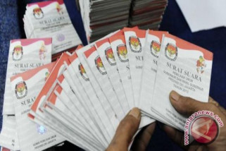 Surat suara Pilkada Palembang sudah selesai dilipat
