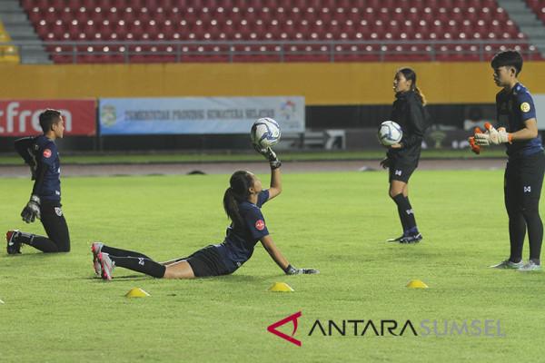Timnas Putri Thailand Latihan di GSJ