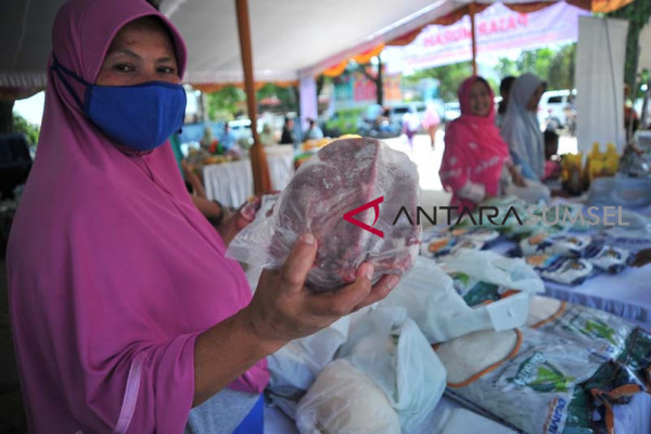 Pasar Murah Perum Bulog Divre Sumsel