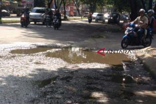 Hasil reses, warga minta perbaikan jalan dan drainase