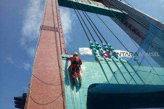 Jembatan Ampera dipercantik jelang Asian Games