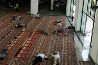 Jamaah sering tidur, ini tanggapan pengurus Masjid Agung Palembang