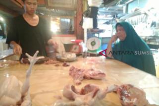 Harga daging ayam naik akibat panjangnya rantai distribusi