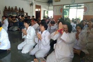 Umat Buddha ramaikan Cetya Padma Jaya rayakan Waisak