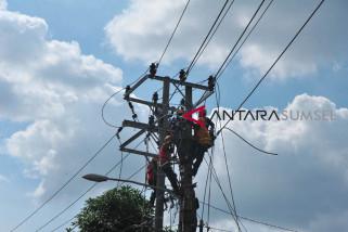 Perawatan jaringan untuk kehandalan listrik selama Ramadhan