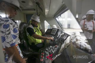 Menhub pantau uji coba LRT Palembang