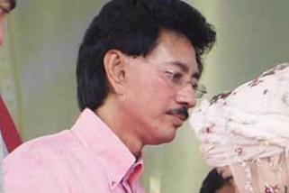 Zulkifli Nurdin tak penuhi panggilan KPK karena sakit