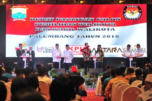 Calon Walikota/ Wakil Walikota Palembang unjuk Program di debat terbuka